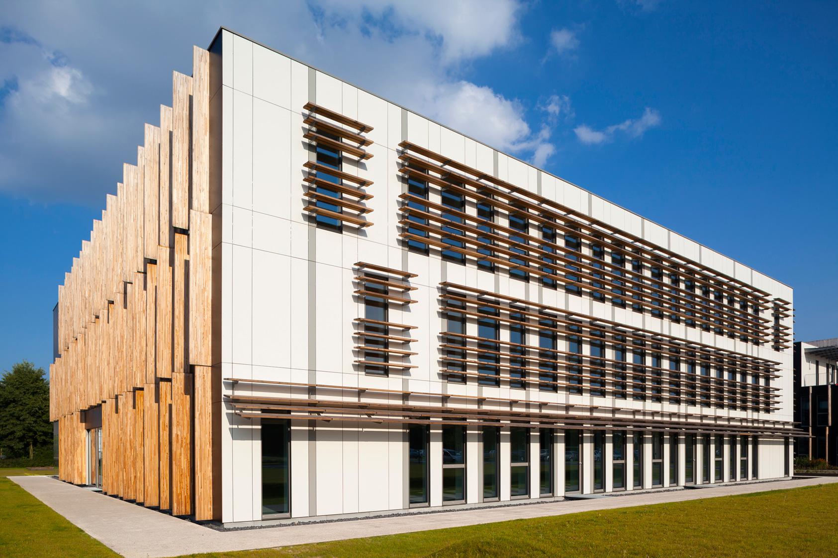 Urba linea immeuble de bureau for Immeuble bureaux hqe